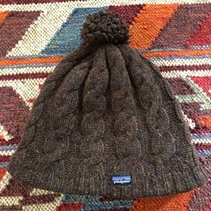 Patagonia %100 Wool Knitted Pom Pom Hat